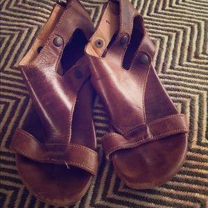 Bedstu Sandals